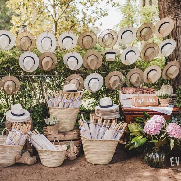 detalles de boda sombreros paja